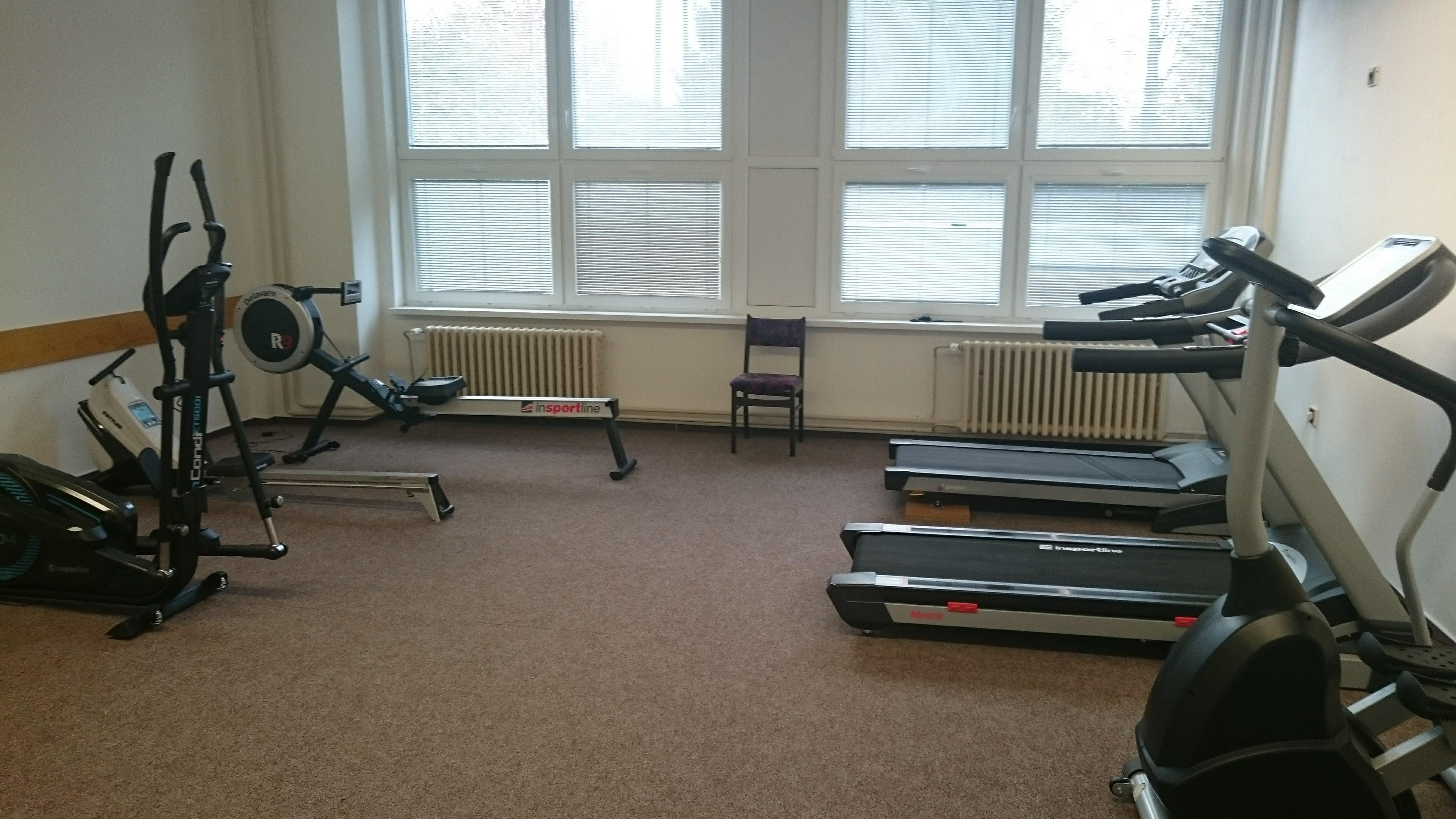 Inovované fitcentrum na Gymnáziu Cheb je otevřeno pro žáky i veřejnost